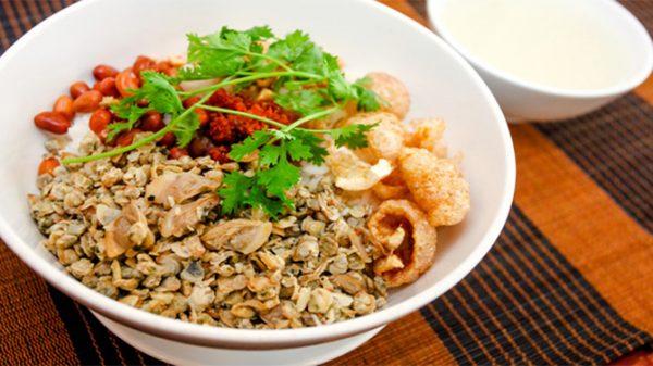 Cơm hến món ăn của xứ huế