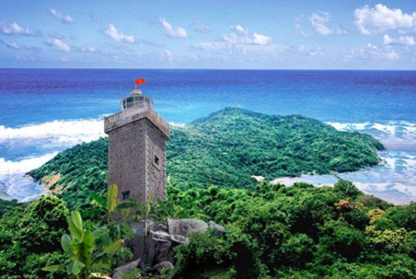 hình ảnh ngọn hải đăng nơi đảo hòn khoai