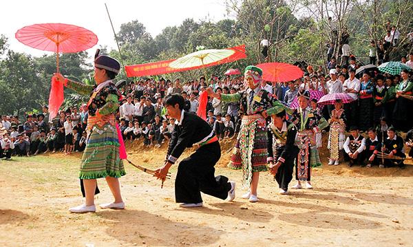 hội gầu tào của người Mông