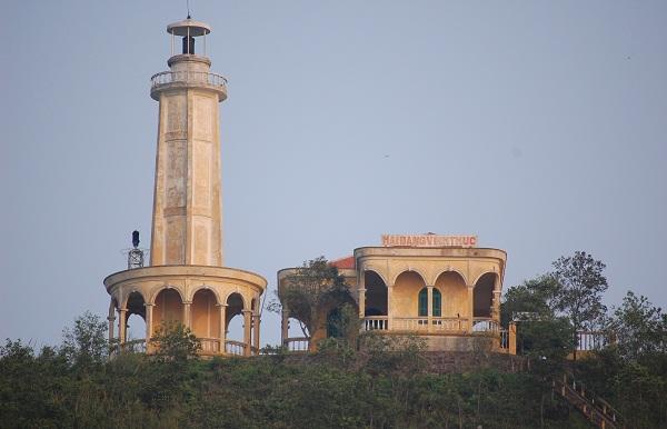 ngọn hải đăng đầu tiên ở Việt Nam