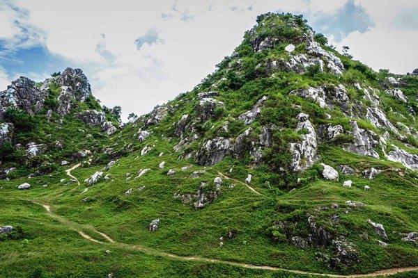 núi trầm địa điểm du lịch gần hà nội