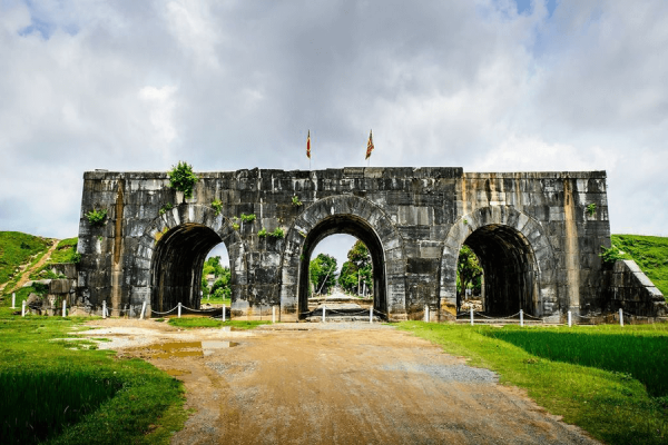 Thành nhà hồ du lịch Thanh Hoá