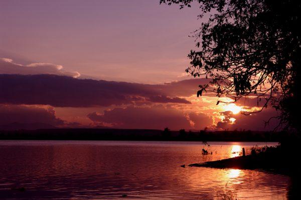 Sông Đắk Bla  chảy ngược