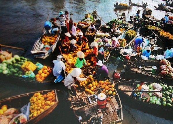 1. Chợ nổi Cái Răng- khu chợ nổi miền Tây