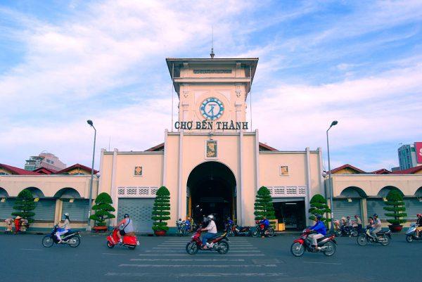 Chợ Bến Thành- điểm du lịch Sài Gòn