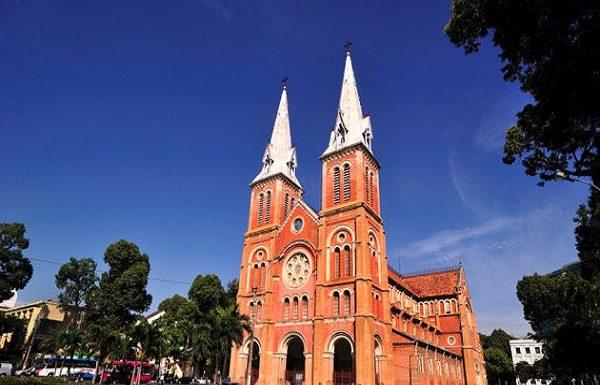 Nhà Thờ Đức Bà -điểm du lịch Sài Gòn