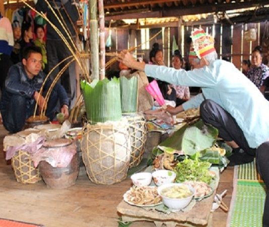 Đặc sắc lễ hội Pang a của dân tộc La Ha