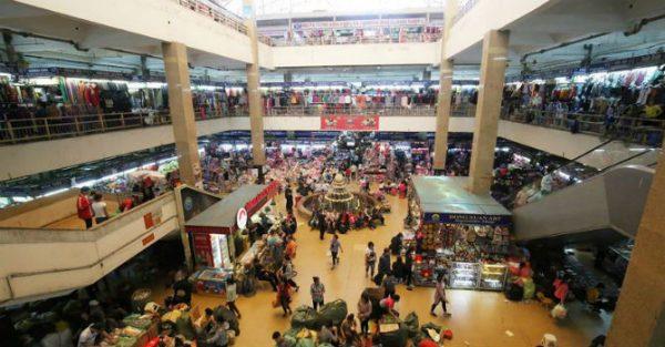 Mua gì ở chợ Đồng Xuân?