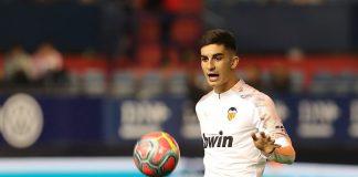 Real Madrid theo dõi tiền đạo Torres của Valencia