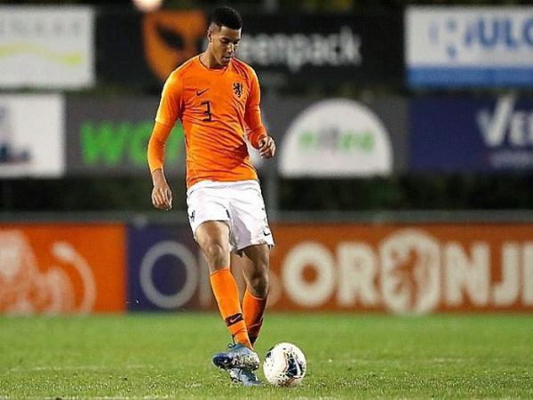 Chuyển nhượng trưa 21/8: Chelsea chính thức có Van Dijk mới